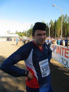 Jukka Koskenkanto hengähtää suorituksensa jälkeen Jämsä-Jukolassa 2013.